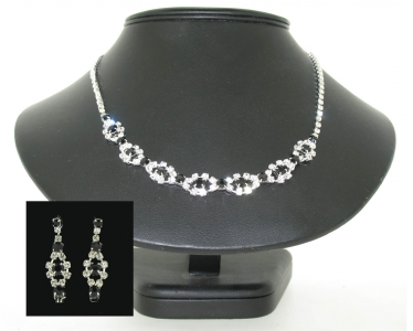 DIAMANTE CRYSTAL AND JET NECKLACE SET