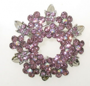 LARGE FLOWER STYLE BROOCH.