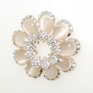 ROSE PLATED BROOCH.