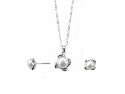925 STERLING SILVER WITH PEARL SET.